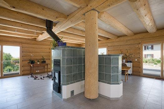 Groes bild wohnzimmer fabulous groes wohnzimmer with for Blockhaus modern einrichten