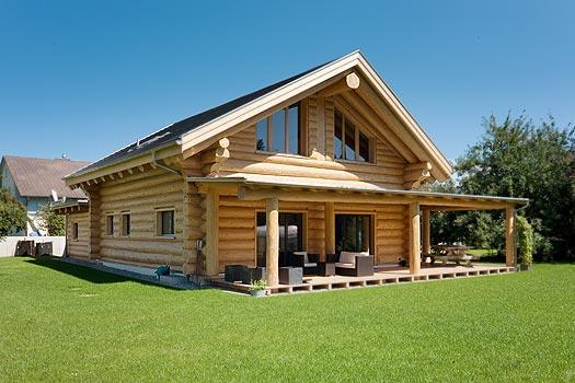 Blockhaus innen modern m bel ideen innenarchitektur for Holzhaus blockhaus
